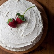 strawberry cake with vanilla buttercream
