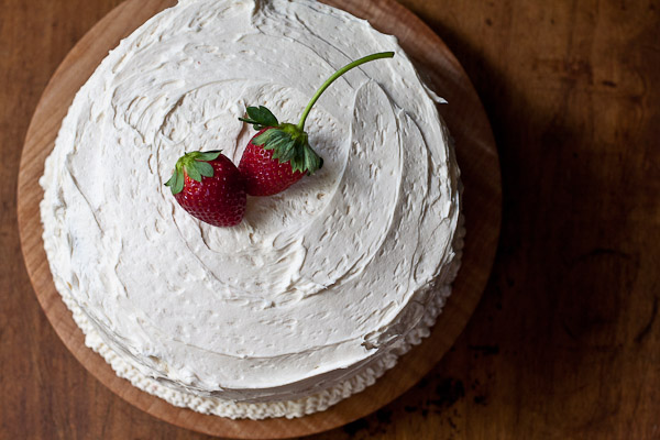 Cake Filling Recipes Without Icing Sugar: White Cake With Strawberry Filling And Buttercream