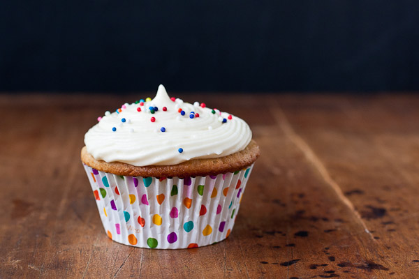 banana cupcakes with honey cream cheese frosting   the merry gourmet