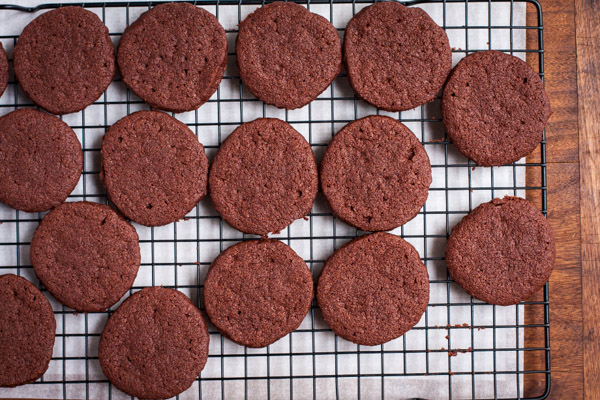 mexican chocolate shortbread cookies | the merry gourmet